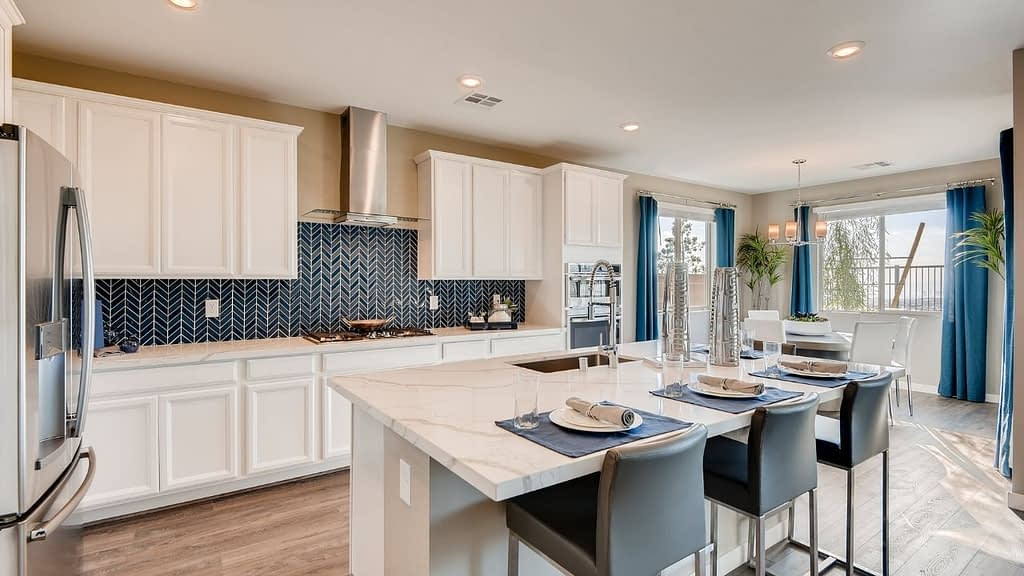 Lennar homes built the Graycliff neighborhood in Stonebridge of Summerlin, Las Vegas. These two-story homes range in size from 2,634 square feet to 3,214 square feet.